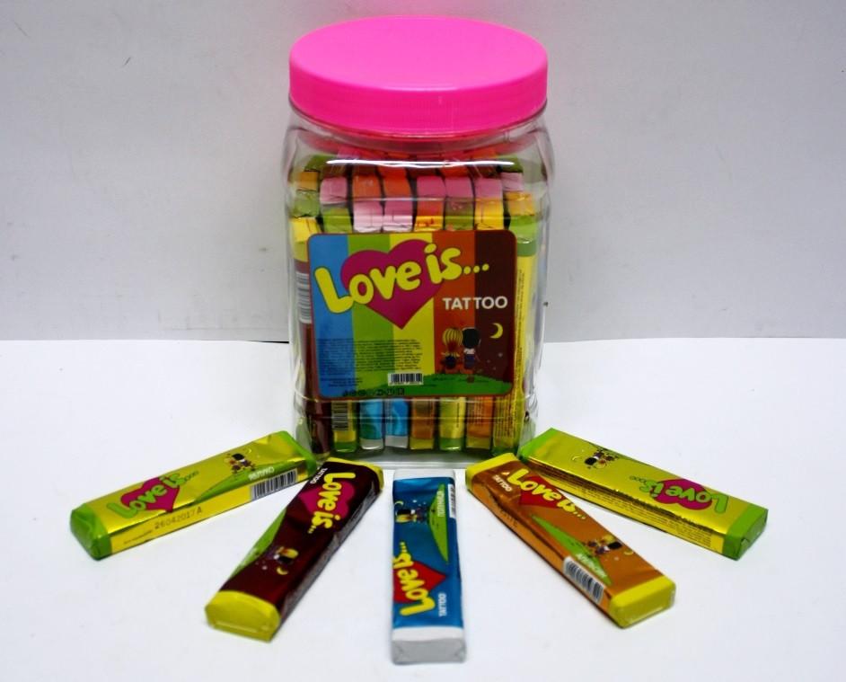 Жевательная конфета с тату Love is 5 шт подушечек