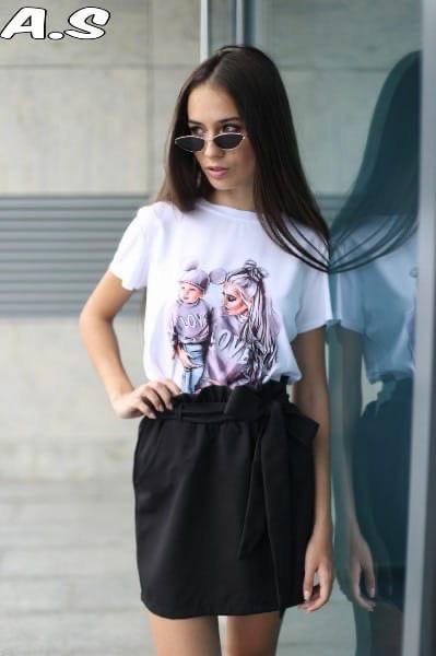 Женский стильный костюм :футболка и юбка