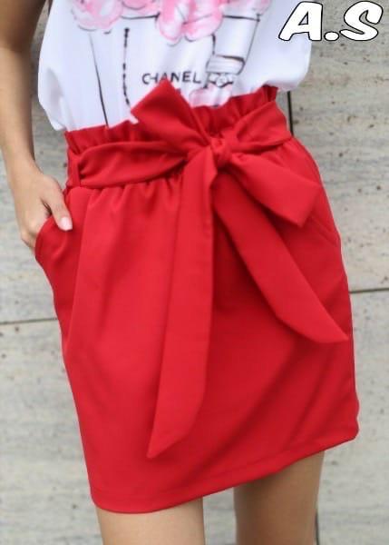 Женская стильная красная юбка с поясом