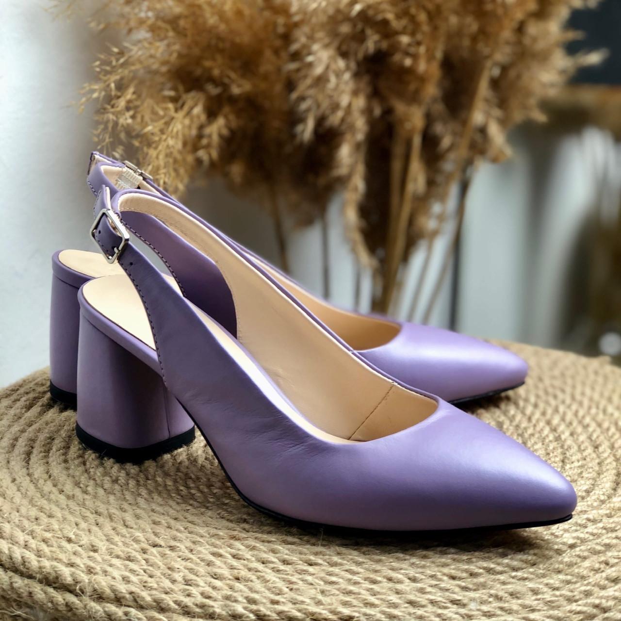 Женские босоножки на невысоком каблуке Натуральная кожа Возможен отшив в других цветах кожи и замши