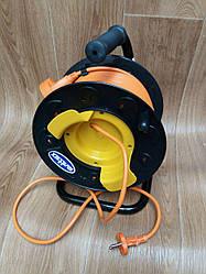 Удлинитель на катушке Svittex 50м с сечением провода 2х1,5 мм² и выносной розеткой