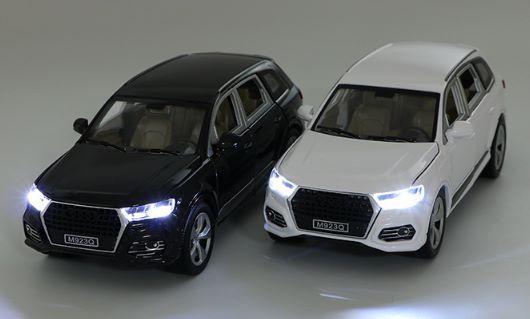 Коллекционная машинка Audi Q7 1:24 XLG