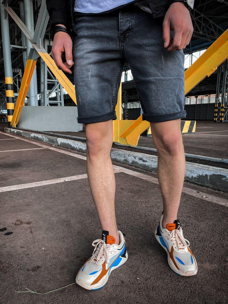 Мужские джинсовые шорты серые потертые с подворотом