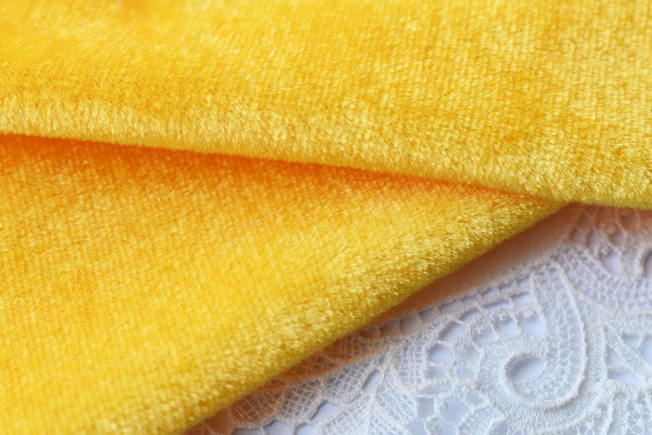 Велюр 20*20 см, желтый