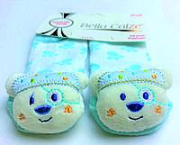 Хлопковые носочки с игрушкой на мыске для детей от 12 месяцев до 18 месяцев Белые в голубые лапки с Медведиком-пиратом