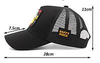 Черная кепка тракер с принтом Даффи Дак, фото 2