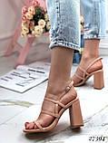 Женские яркие босоножки с квадратным каблуком 10 см с ремешками, бежевые, розовые, салатовые, розовые, черные, фото 2