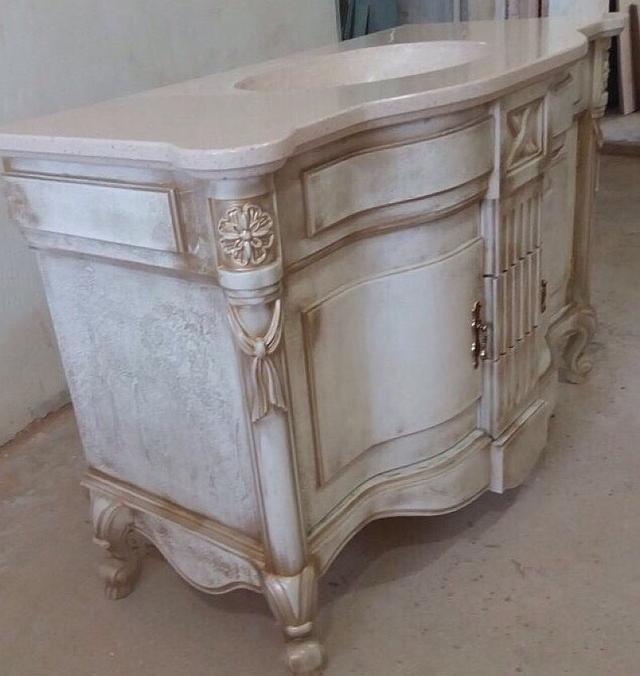 Мебель в классическом стиле для ванной комнаты