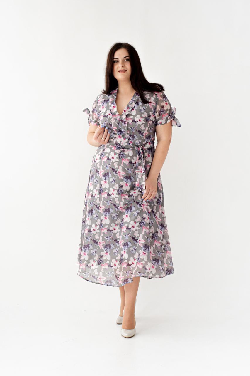 Шифоновое платье с цветочным принтом серое