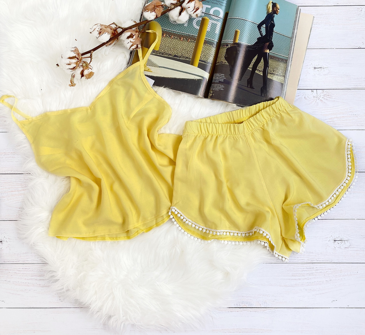 Комплект шорты и майка S-M желтый