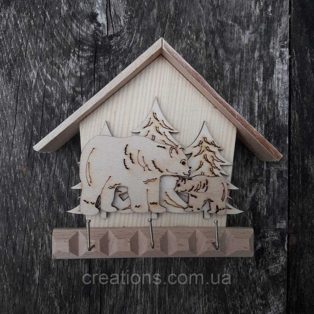 Ключниця дерев'яна настінна, будиночок 15 см.