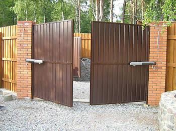 Ворота распашные (проём: 4000 х 2000 мм), зашивка профлист 1стор.