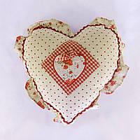 Подушка в подарок Сердце с розочками