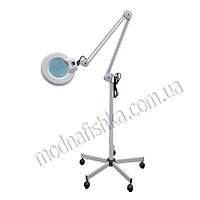 Лампа для косметологии на 5-х колесах (лупа)