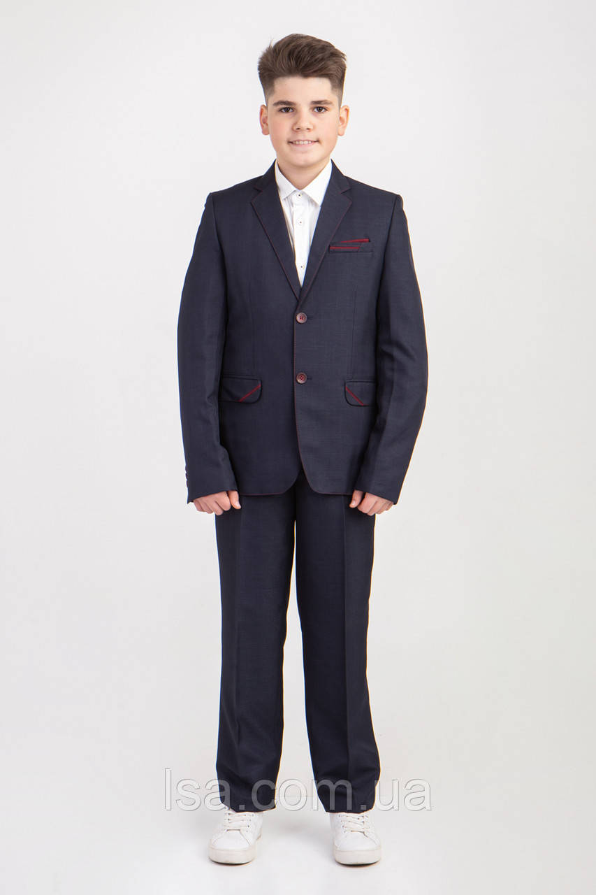 Школьный подростковый костюм темно-серого цвета декорирован бордовыми вставками