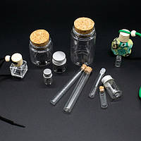 Маленькие стеклянные бутылочки с пробкой