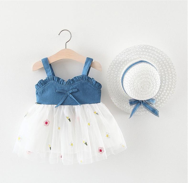 Повседневное детское летнее платье на девочку  2-3 года  +шлапа в комплекте