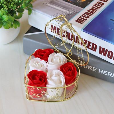 Мыло из роз в корзине  Подарок для девушки, мыло ручной работы