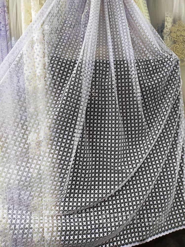 Фатиновый тюль с вышивкой на высоту 2.56 м. дальше пустое поле на метраж и опт