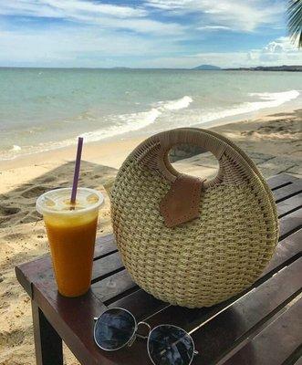 Женская летняя сумочка песочная
