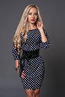 Красивого женское платье в мелкий горошек