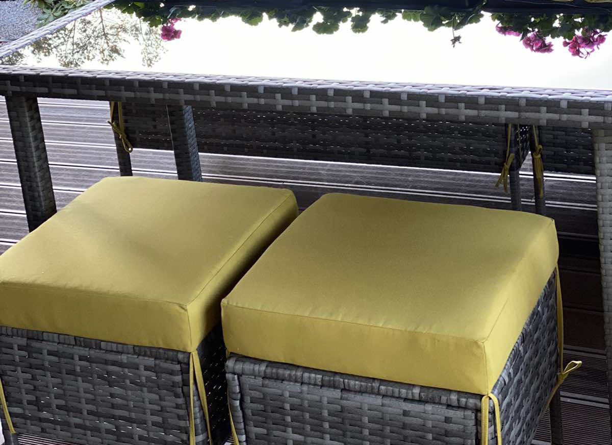 Подушка квадратная на стул