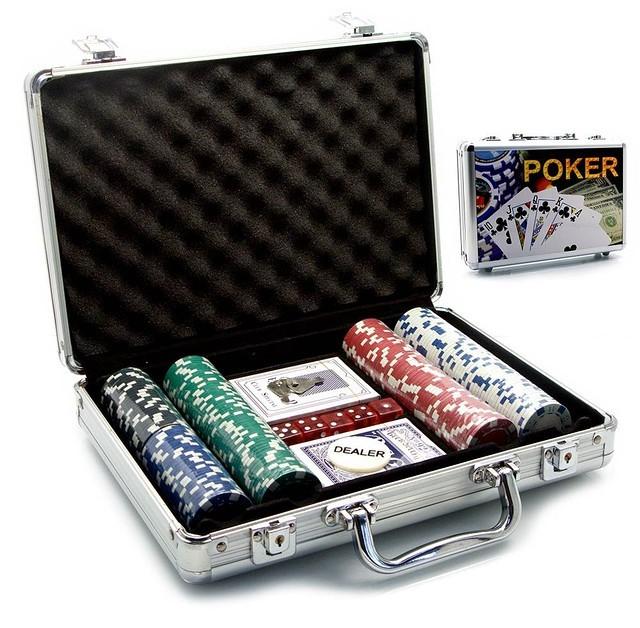 Покерный набор в кейсе на 200 фишек (30х21х7 см)