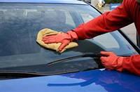 Воскование автомобильных стекол: хорошая ли идея?