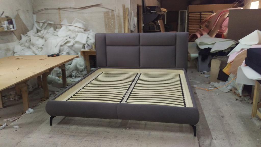 Двоспальне ліжко Маттео на ніжках 2