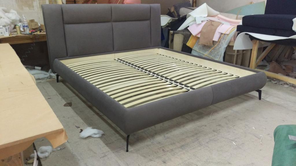 Двоспальне ліжко Маттео на ніжках 4