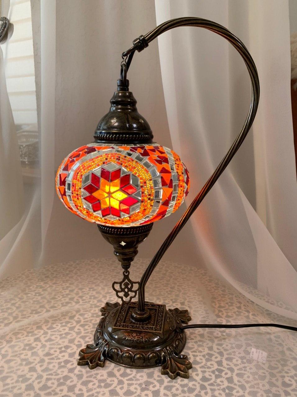 Настольный изогнутый турецкий светильник кэмэл  Sinan из мозаики ручной работы Цветной