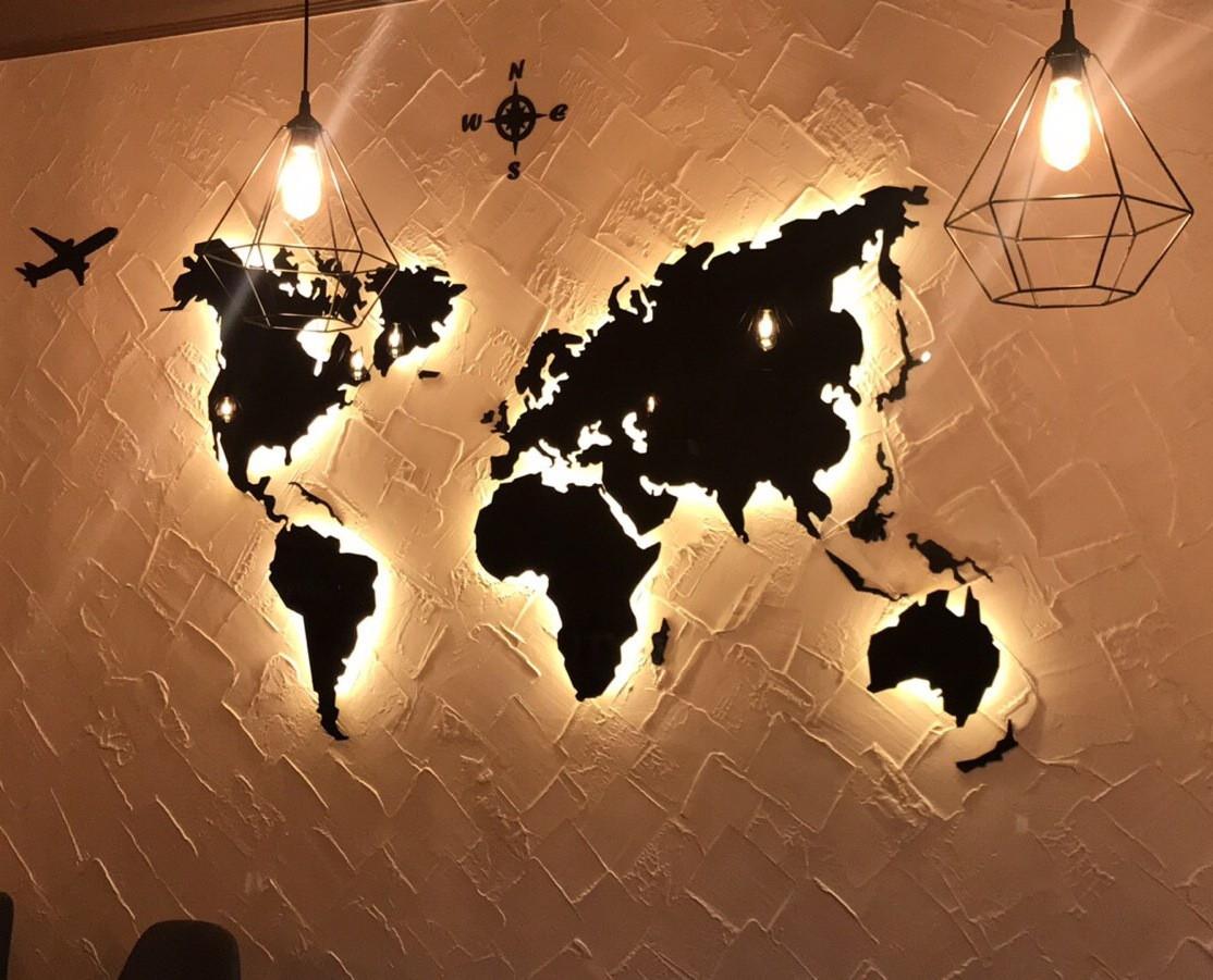 Деревянная карта Мира с LED подсветкой 120х70 см