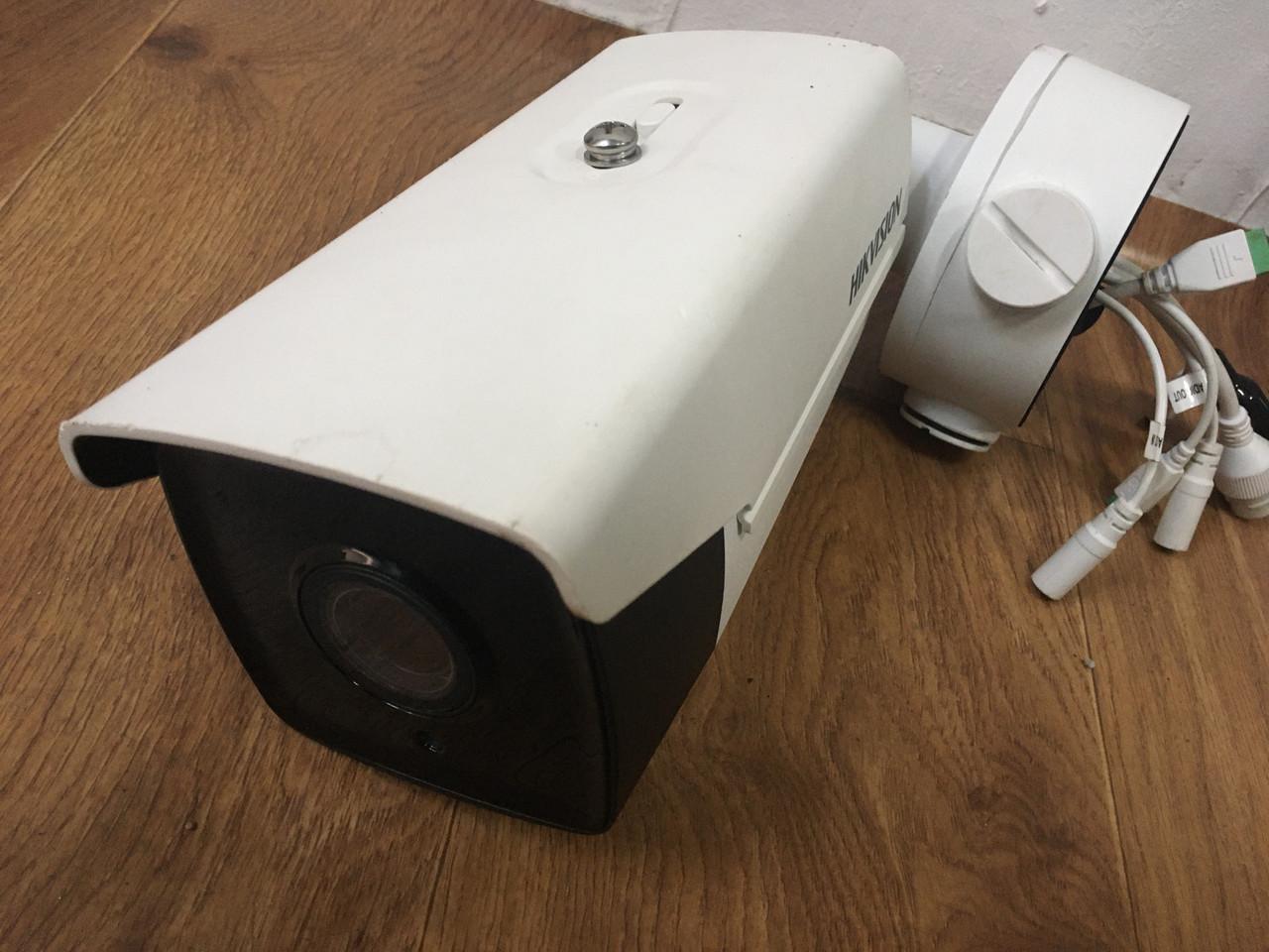Сетевая камера видеонаблюдения Hikvision DS-2CD4B26FWD-IZS с видеоаналитикой