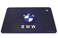 Антискользящий коврик в машину на торпеду BMW