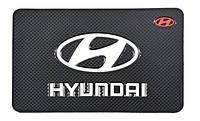 Антискользящий коврик в машину на торпеду Hyundai