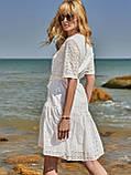 Свободное платье из прошвы с воланом по низу и поясом, фото 8