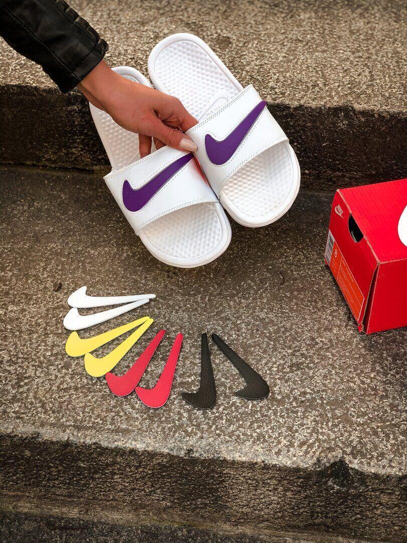 Мужские и женские  шлепанцы Nike белые