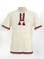 Вязаная рубашка с коротким рукавом и красным узором