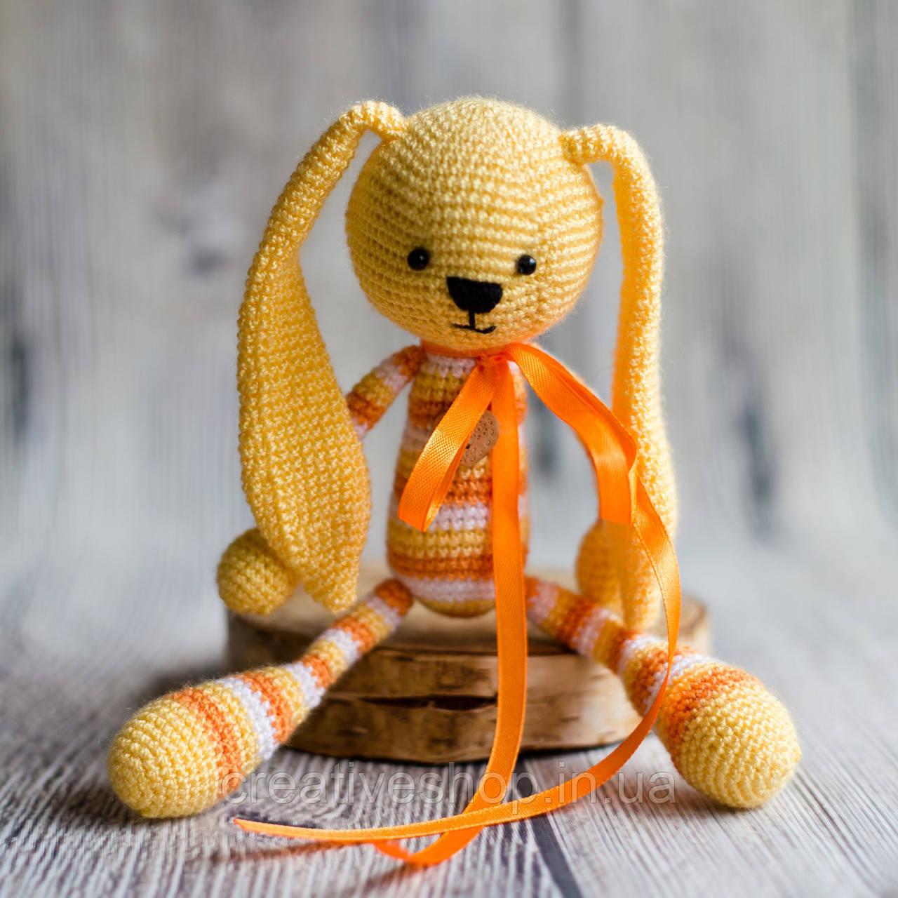 """Вязаная игрушка """"Желтый Зайчик - длинные ушки"""""""