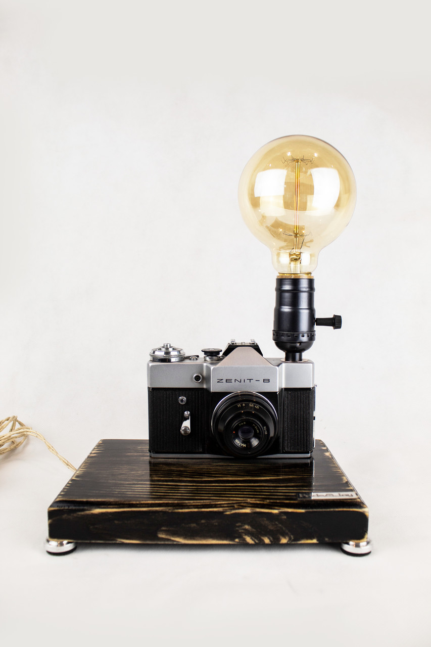 Настільна лампа Pride&Joy з вінтажним фотоапаратом