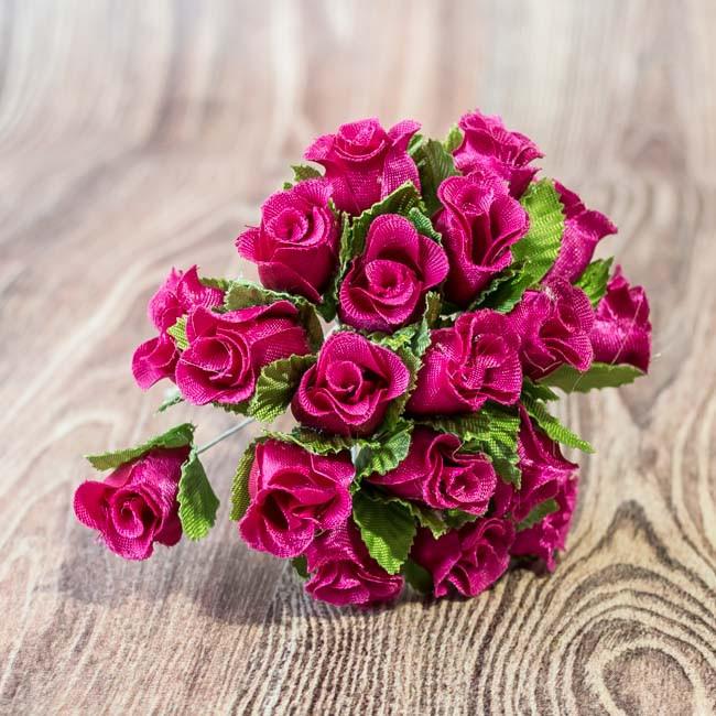 Букетик Бутоны роз малиновый