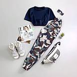 Женский спортивный брючный костюм с топом - футболкой и штанами на манжетах 6605946Е, фото 2