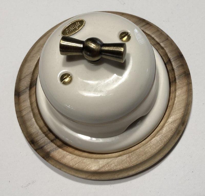 Вимикач поворотного типу 2-клавішний білий, фурнітура дерево, бронза.