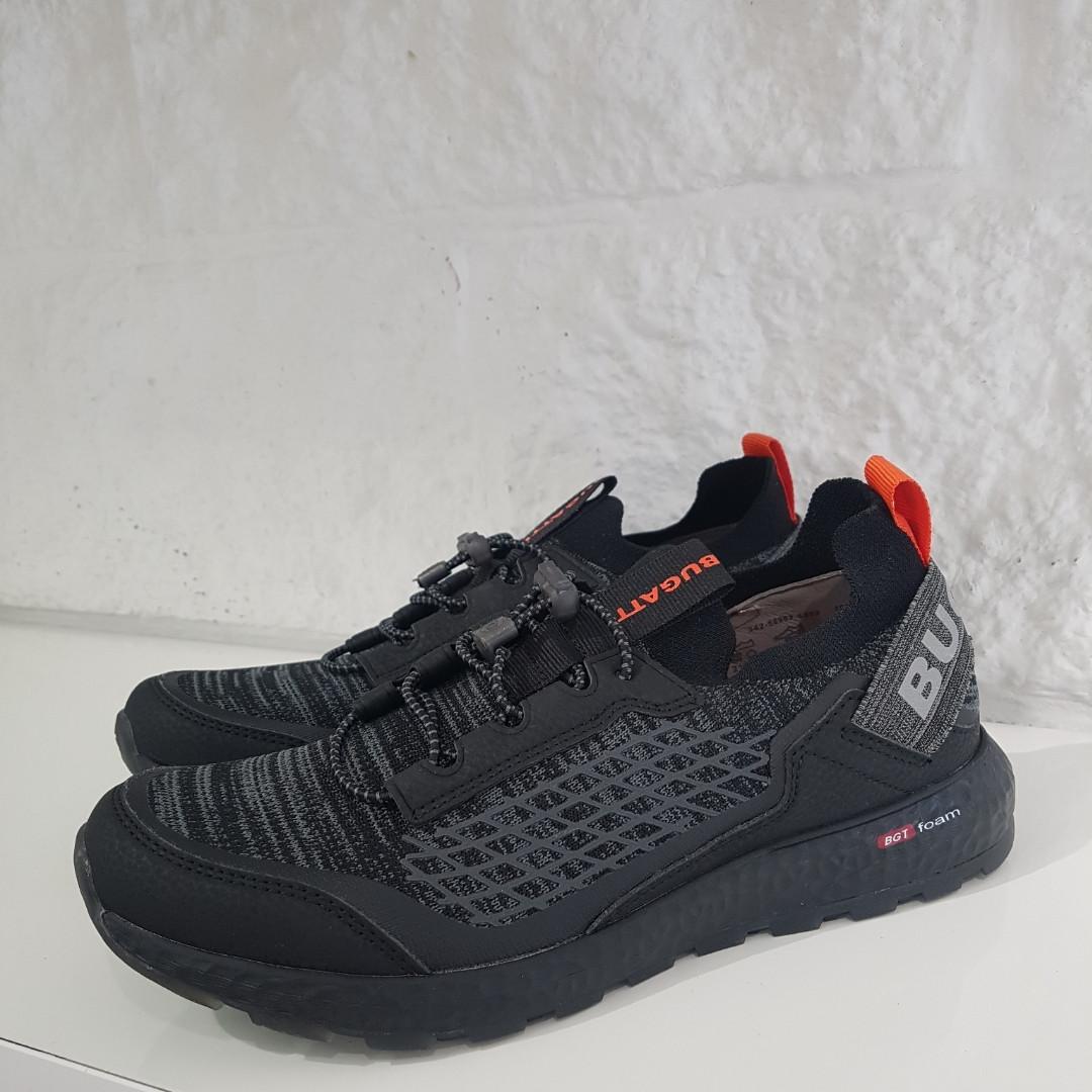 Кросівки чоловічі чорні BUGATTI
