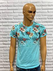Стильна молодіжна футболка з квітковим принтом