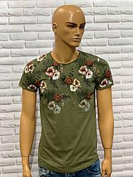 Стильна молодіжна футболка з квітковим принтом 02хакі
