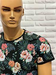 Стильна молодіжна футболка з квітковим принтом 03чорний
