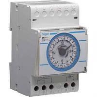 Таймер аналоговый, суточный, 16А, 1 переключаемый контакт, запас хода 200 год., 3 м Hager (EH111)