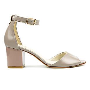 Босоножки кожаные 36-41 Woman's heel серые на толстом каблуке и с закрытой пяткой