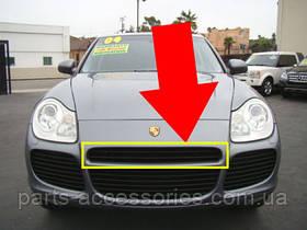 Porsche Cayenne 955 решетка в бампер центр. верхняя до рест. 03-06